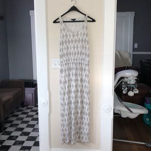 Gap brown/tan/white print maxi dress